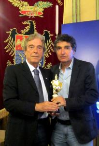 """Rodolfo Graziani e Rossano Vittori con il """"Paladino d'oro"""""""